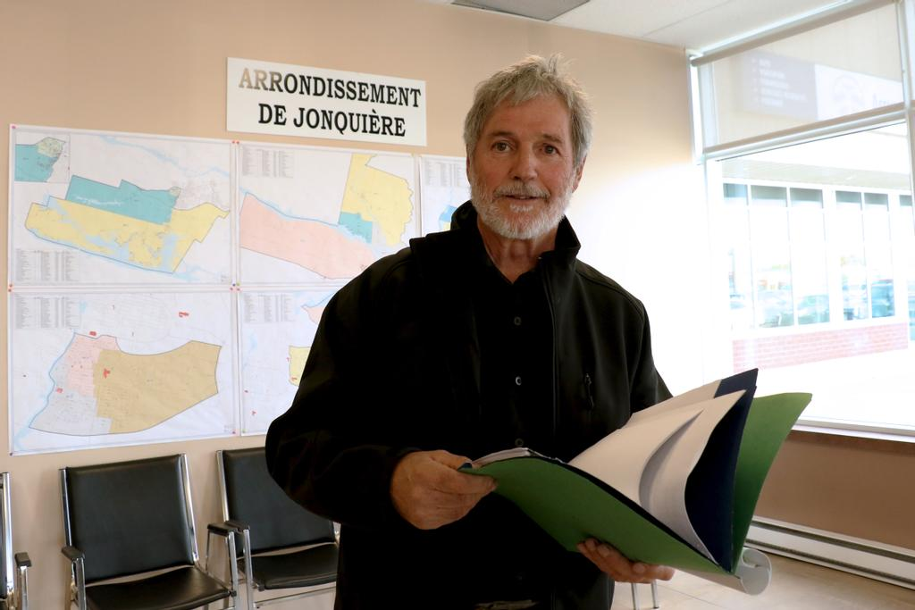 L'ancien leader syndical Jean-Marc Crevier tente sa chance en politique. Il sollicite un premier mandat à titre de conseiller municipal dans le district 6 (Arvida).