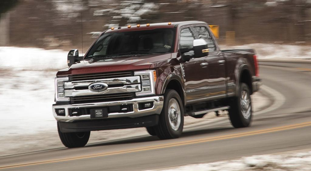 Une camionnette Ford F-350