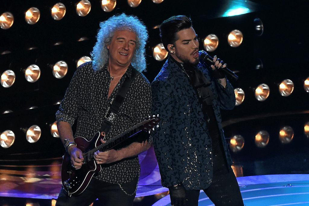 Le guitariste Brian May et le chanteur Adam Lambert