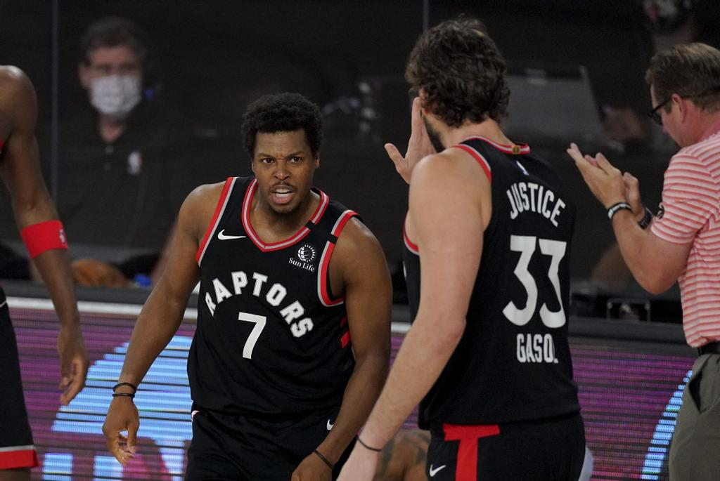 Kyle Lowry (7) a fourni 22 points, 11 rebonds et sept aides