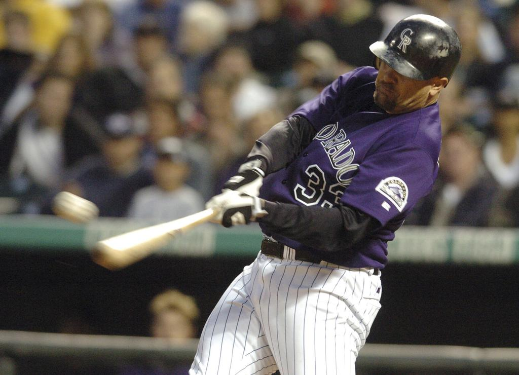 Larry Walker, dans l'uniforme des Rockies du Colorado