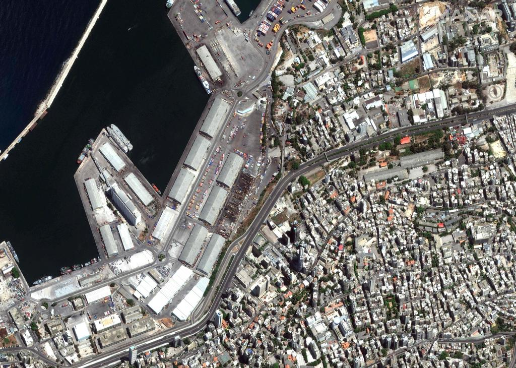 Une photo satellitaire du port de Beyrouth, le 31 juillet