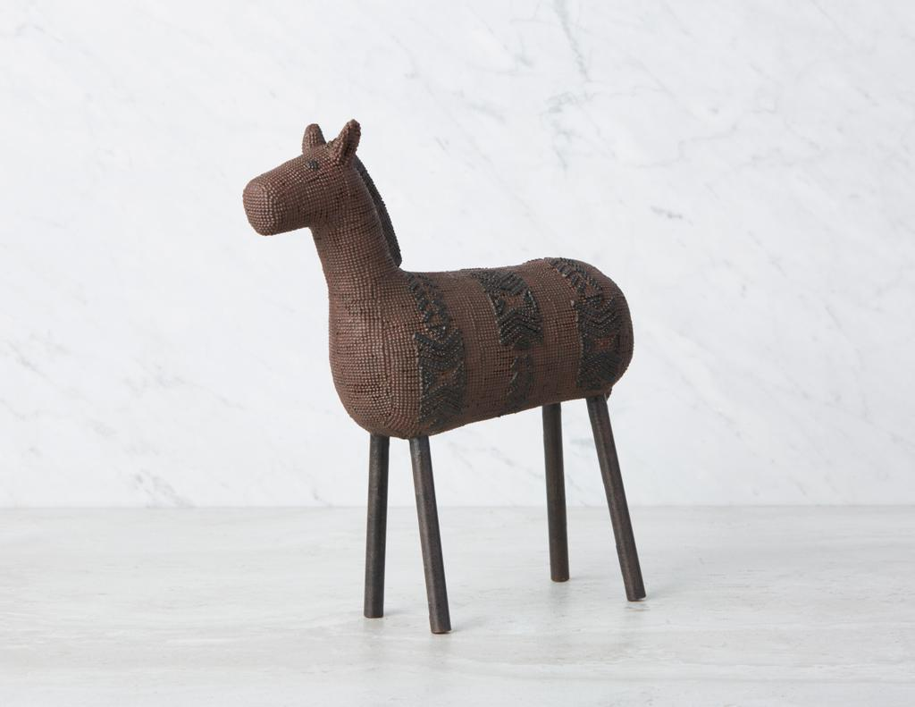 Sculpture de cheval Horsa (25 $, 36 cm) chez Structube