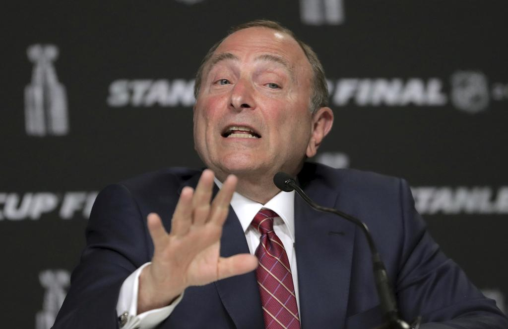 Le commissaire de la Ligue nationale de hockey, Gary Bettman
