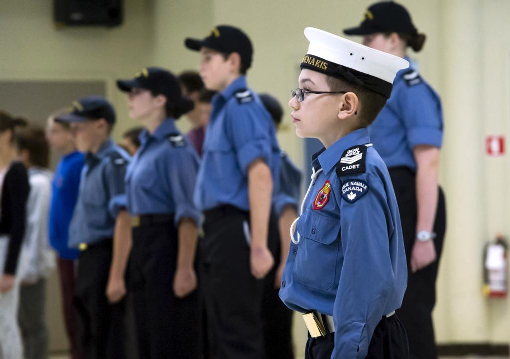 Si le corps de cadets de la marine royale canadienne-197 de Sherbrooke (CCMRC-197) comptait 120 membres il n'y a pas si longtemps, ils sont maintenant une quarantaine d'adolescents à se réunir les vendredis soirs.