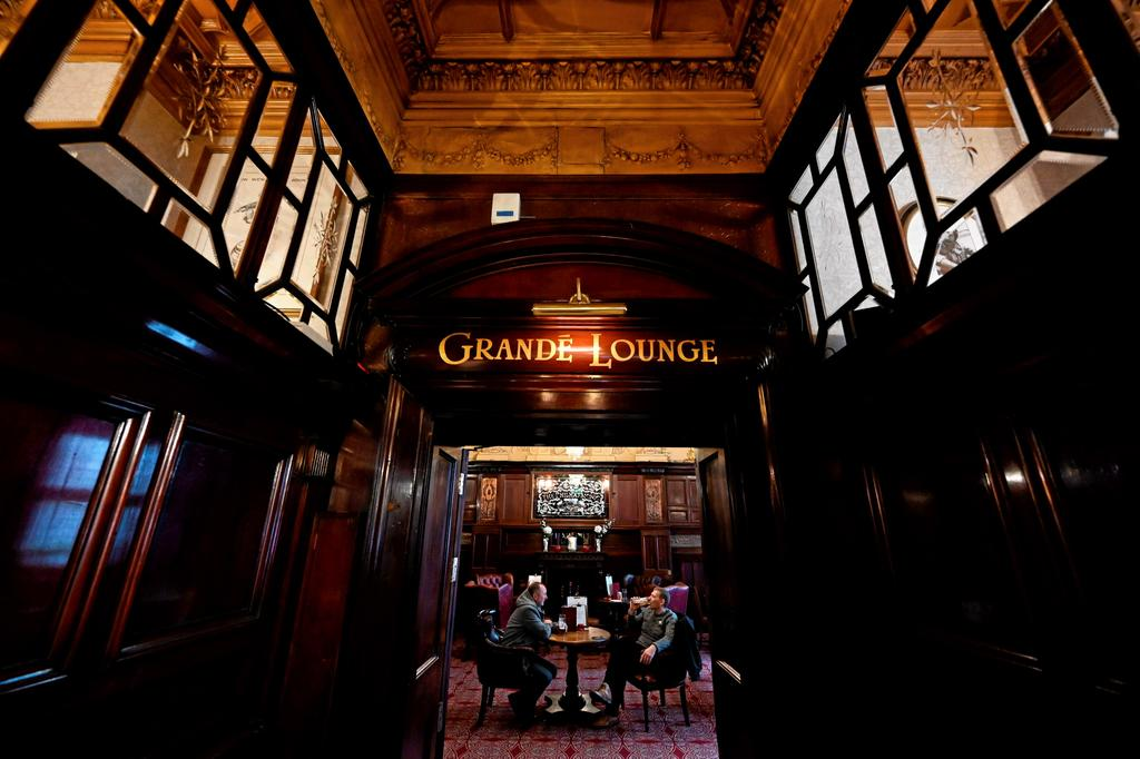 Le couloir menant au «Grand Lounge»