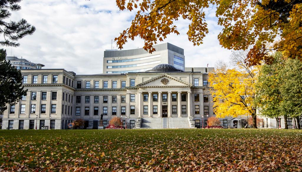 Université d'Ottawa: Et l'intention? Et le contexte?
