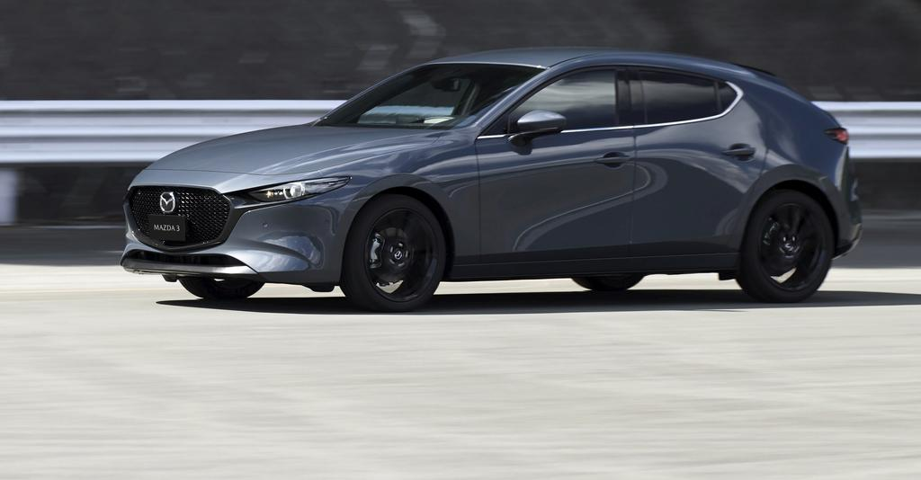 La version Sport de la Mazda3 se veut plus courte que la berline.