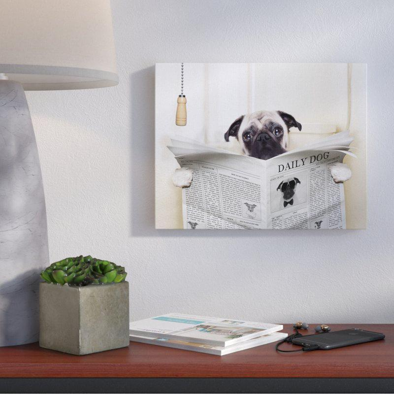 Impression d'art graphique Pug reading newspaper in bathroom, 59,99$ sur wayfair.ca