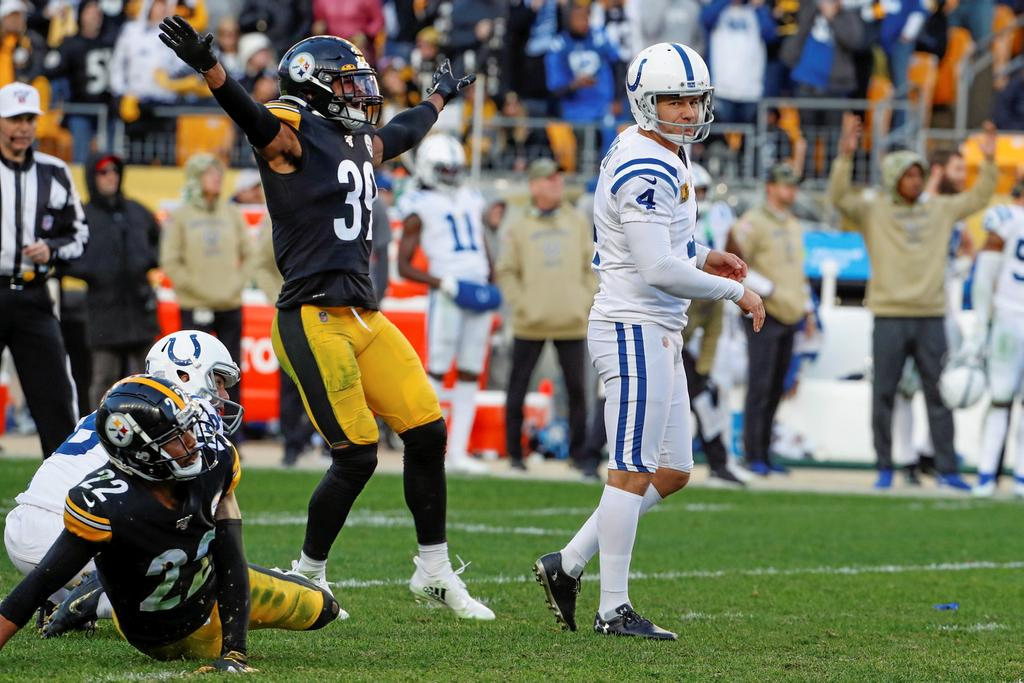 Adam Vinatieri a raté le placement qui aurait placé les Colts en avance, en fin de match, face aux Steelers.