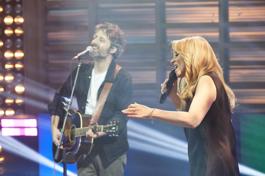 Louis-Jean Cormier et Lara Fabian prennent part à l'émission spéciale <em>Une chance qu'on s'a</em>, en respectant la distanciation sociale.