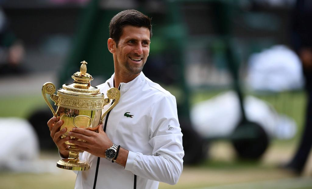 Le Serbe Novak Djokovic a remporté la finale du simple masculin des Internationaux de tennis de Wimbledon dimanche.