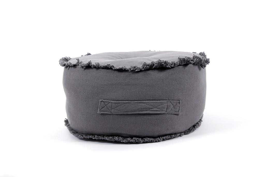 Pouf Prague anthracite, 44,50 $ chez Zone