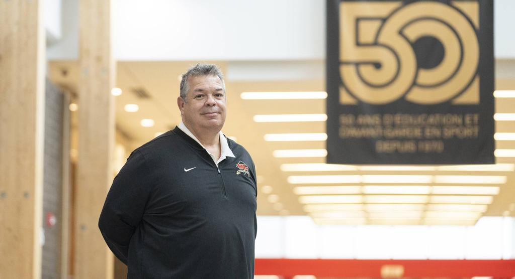 Glen Constantin, entraîneur-chef du club de football Rouge et Or de l'Université Laval.