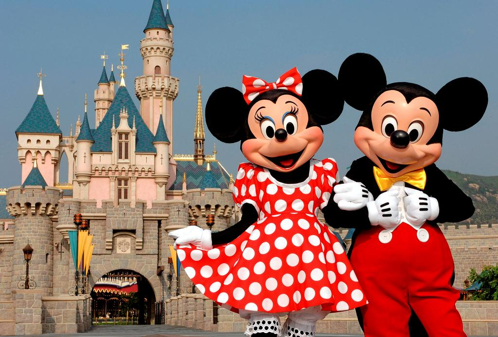 Mickey en compagnie de son amoureuse Minnie
