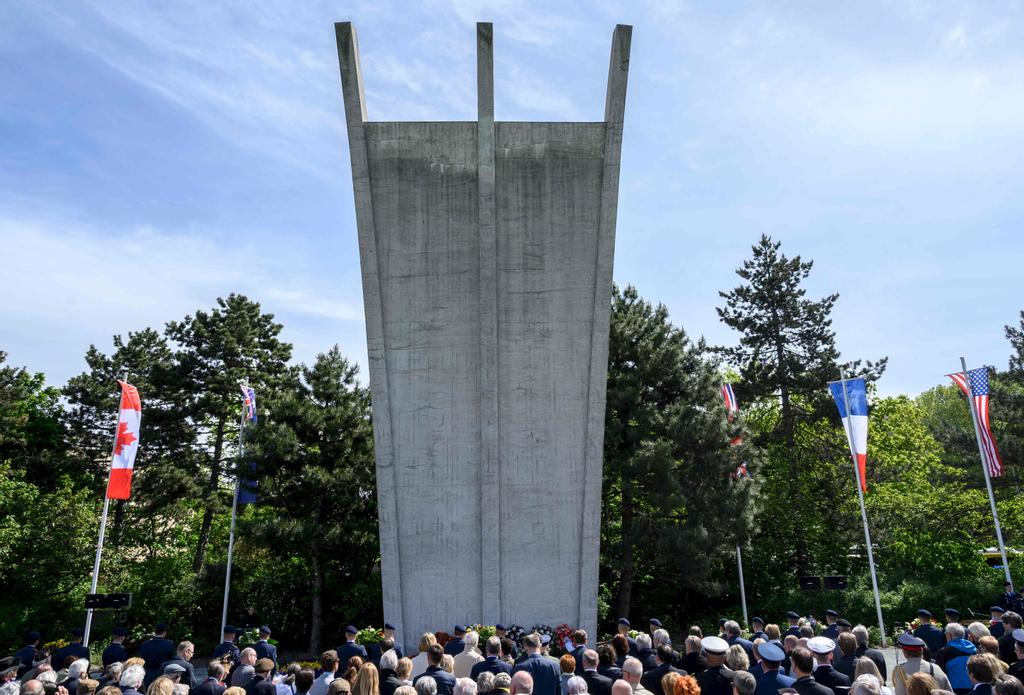 Recueillement devant le Berlin Airlift memorial